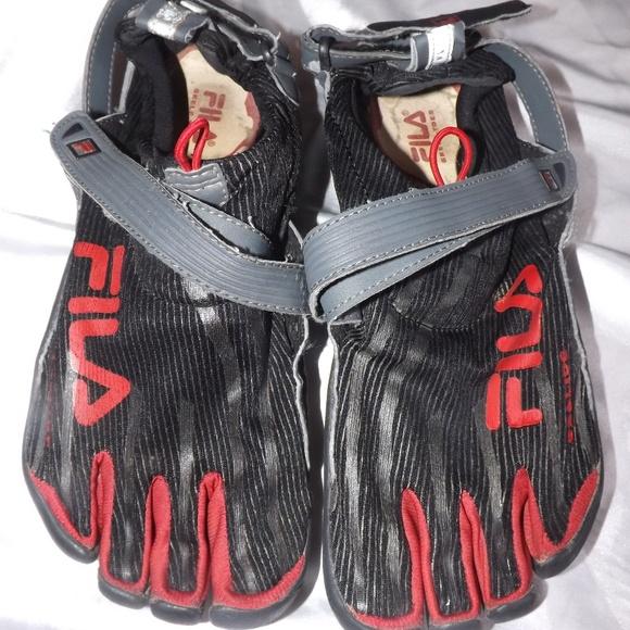 c2756a68da Fila Shoes | Mens Skeletoes Ez Slide Barefoot Sz 11 | Poshmark